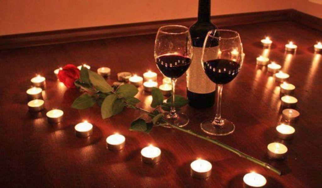 valentines-day-bathroom-decoration-1 61 Awesome Valentine's Day Decoration Ideas