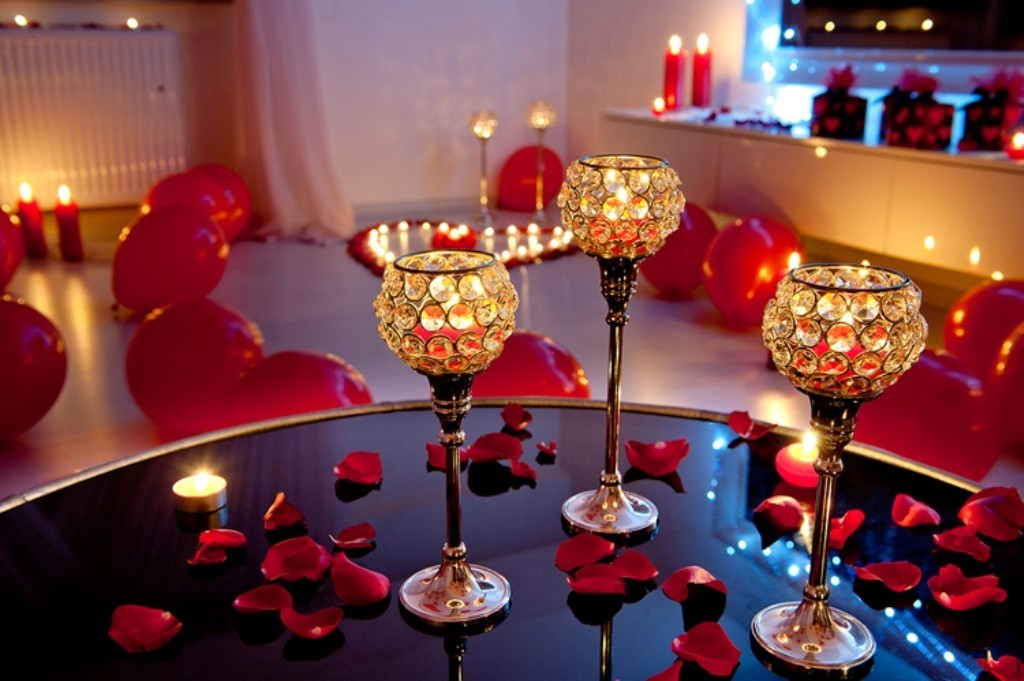 valentines-day-bathroom-decoration-2 61 Awesome Valentine's Day Decoration Ideas