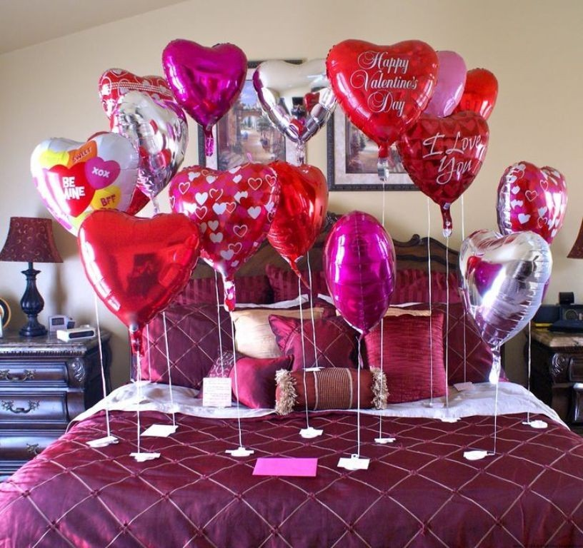 valentines-day-bedroom-decoration-2 61 Awesome Valentine's Day Decoration Ideas