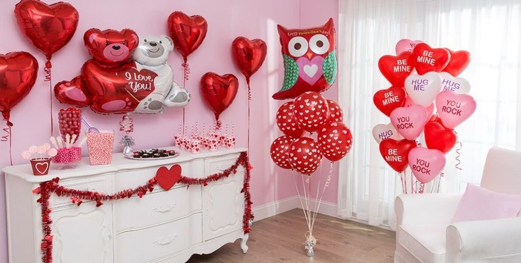 valentines-day-bedroom-decoration-4 61 Awesome Valentine's Day Decoration Ideas