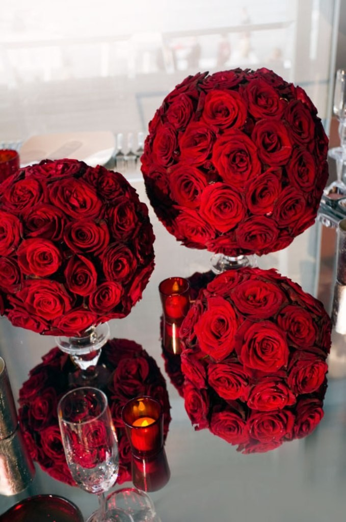 valentines-day-centerpieces-11 61 Awesome Valentine's Day Decoration Ideas