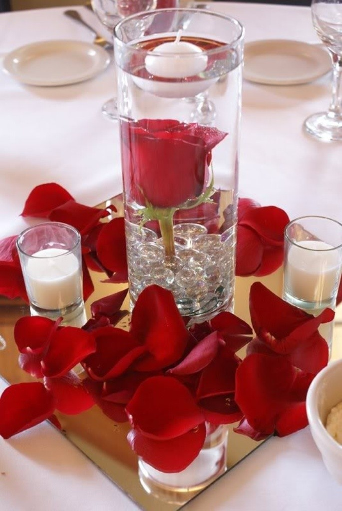 valentines-day-centerpieces-15 61 Awesome Valentine's Day Decoration Ideas