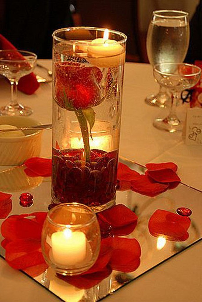 valentines-day-centerpieces-3 61 Awesome Valentine's Day Decoration Ideas
