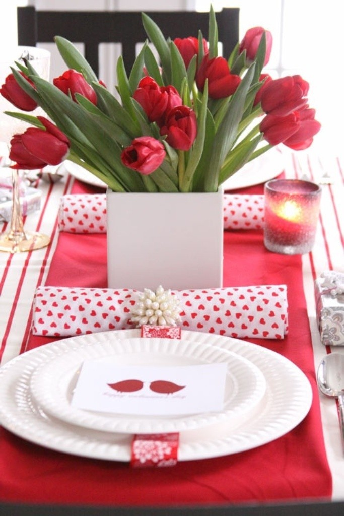 valentines-day-centerpieces-4 61 Awesome Valentine's Day Decoration Ideas