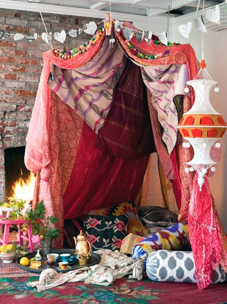 valentines-day-living-room-decoration-1 61 Awesome Valentine's Day Decoration Ideas
