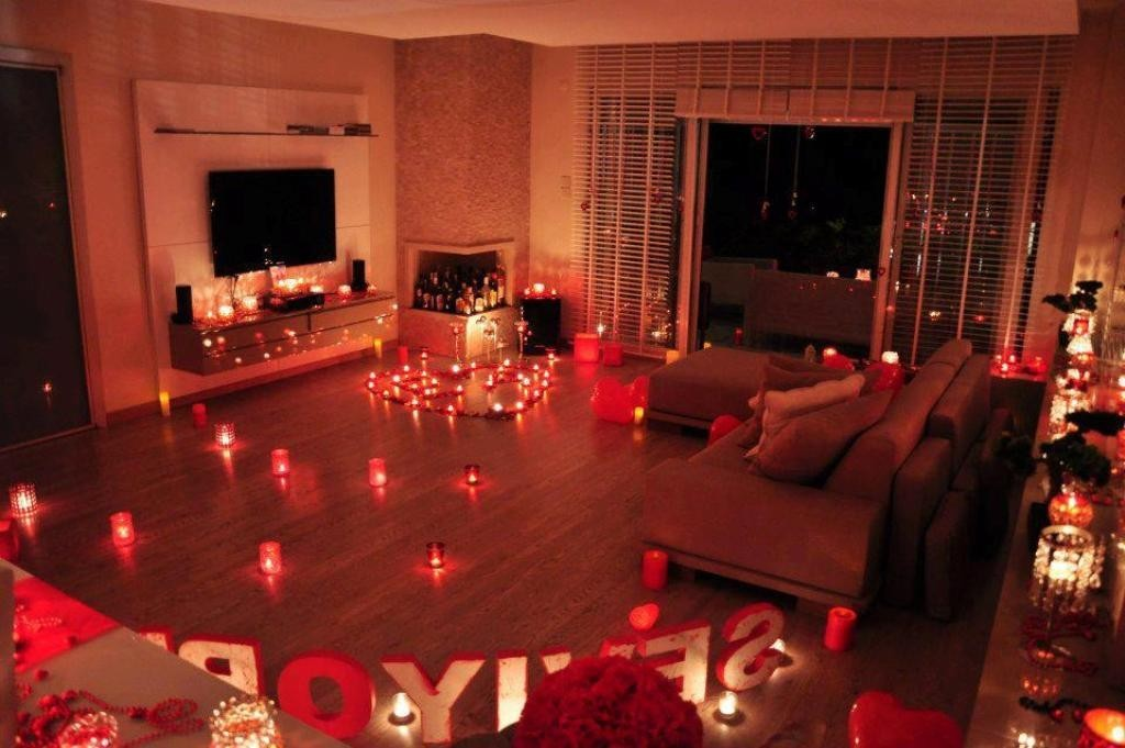 valentines-day-living-room-decoration 61 Awesome Valentine's Day Decoration Ideas
