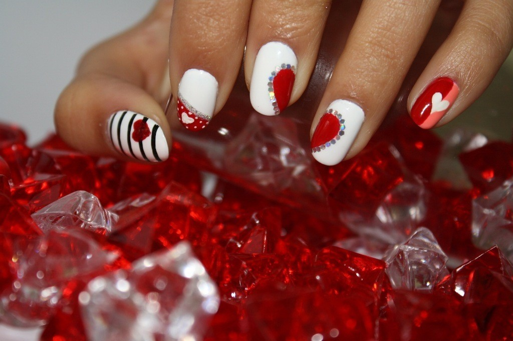 valentines-day-nails-71 89 Most Fabulous Valentine's Day Nail Art Designs