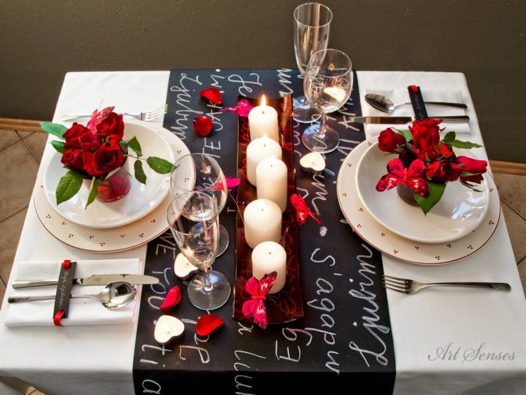 valentines-day-table-decoration-ideas-10 61 Awesome Valentine's Day Decoration Ideas