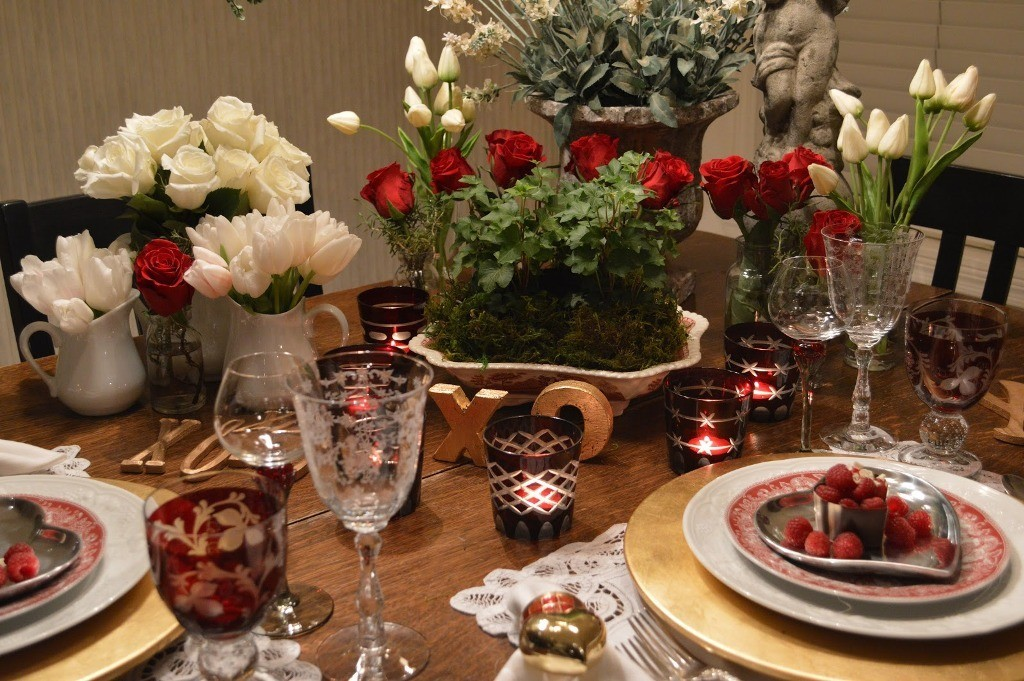 valentines-day-table-decoration-ideas-11 61 Awesome Valentine's Day Decoration Ideas