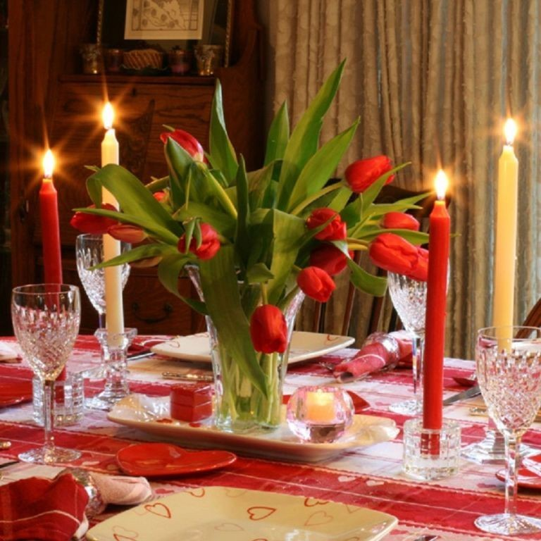 valentines-day-table-decoration-ideas-15 61 Awesome Valentine's Day Decoration Ideas