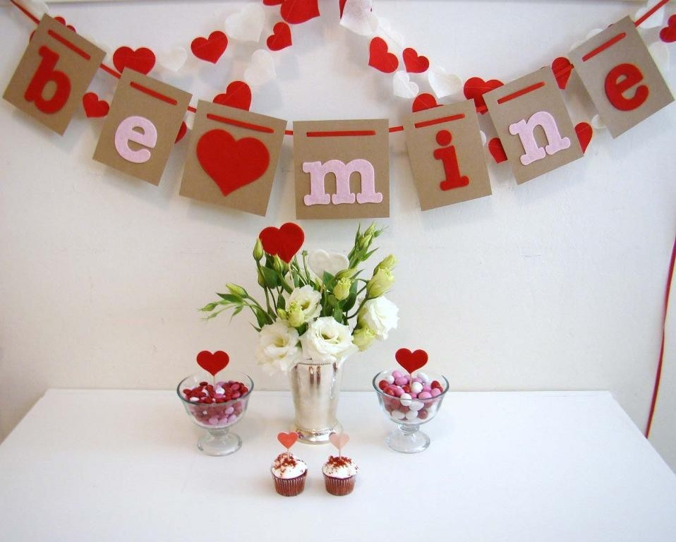 valentines-day-table-decoration-ideas-2 61 Awesome Valentine's Day Decoration Ideas