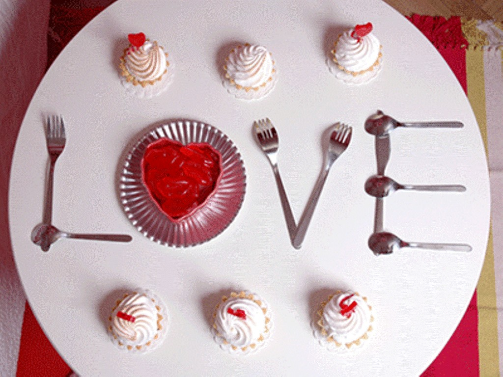 valentines-day-table-decoration-ideas-4 61 Awesome Valentine's Day Decoration Ideas
