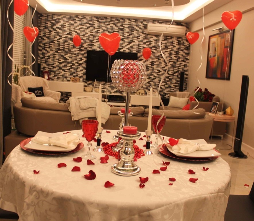 valentines-day-table-decoration-ideas-8 61 Awesome Valentine's Day Decoration Ideas