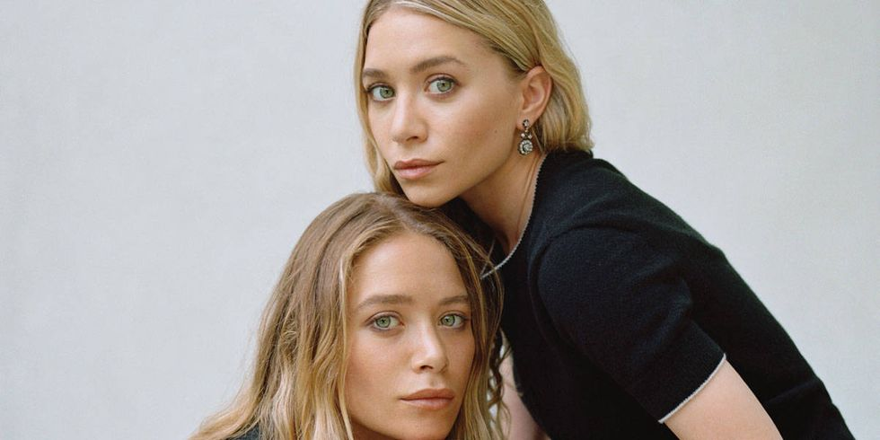 54ac6937518e1_-_elle-00-mary-kate-ashley-olsen-holidays-opener-h-elh 5 Celebrities Who Have an Identical Twin