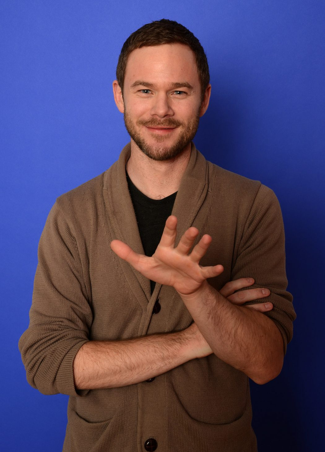 Aaron-Ashmore-looked-dapper-Monday 5 Celebrities Who Have an Identical Twin