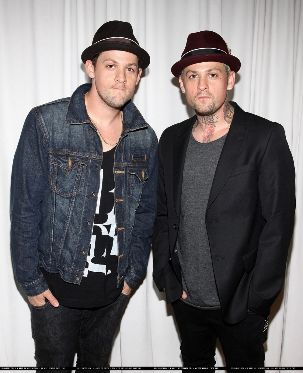Benji-and-Joel-benji-and-joel-madden-13191395-1137-1400 5 Celebrities Who Have an Identical Twin