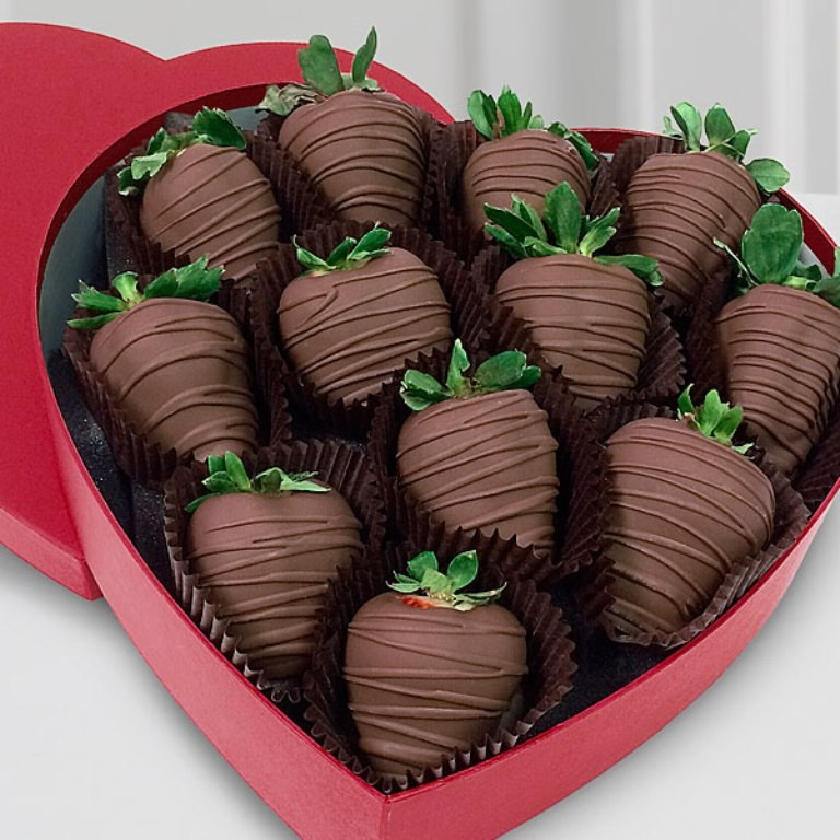 Chocolate-Covered-Strawberries-2 65 Most Romantic Valentine's Day Chocolate Treat Ideas