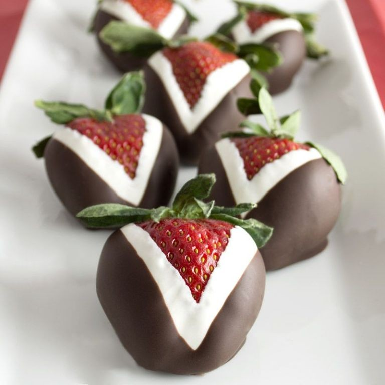 Chocolate-Covered-Strawberries-5 65 Most Romantic Valentine's Day Chocolate Treat Ideas