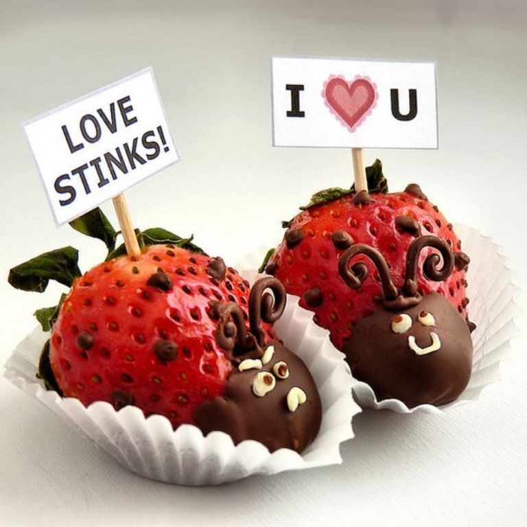 Chocolate-Covered-Strawberries-6 65 Most Romantic Valentine's Day Chocolate Treat Ideas