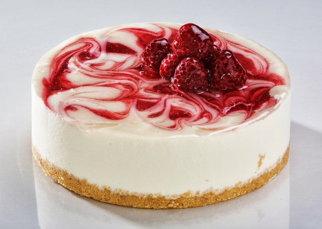 White-Chocolate-Raspberry-Cheesecake 32 Most Romantic Valentine's Day Meals & Recipe Ideas