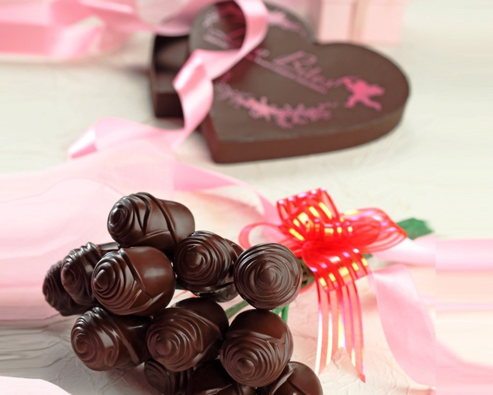chocolate-bouquet 65 Most Romantic Valentine's Day Chocolate Treat Ideas