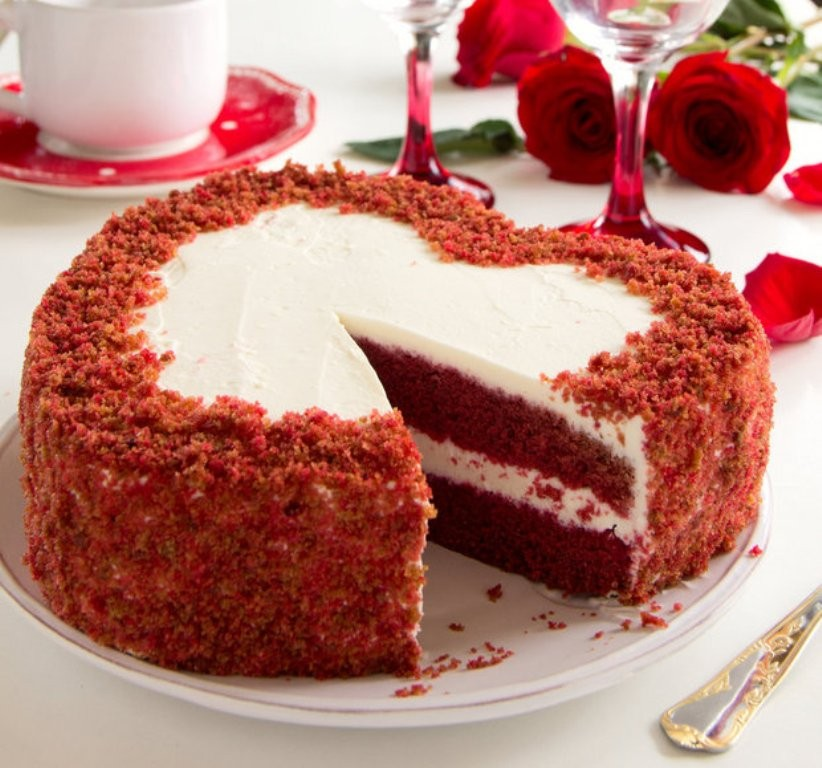 mouth-watering-valentines-day-cake-3 32 Most Romantic Valentine's Day Meals & Recipe Ideas