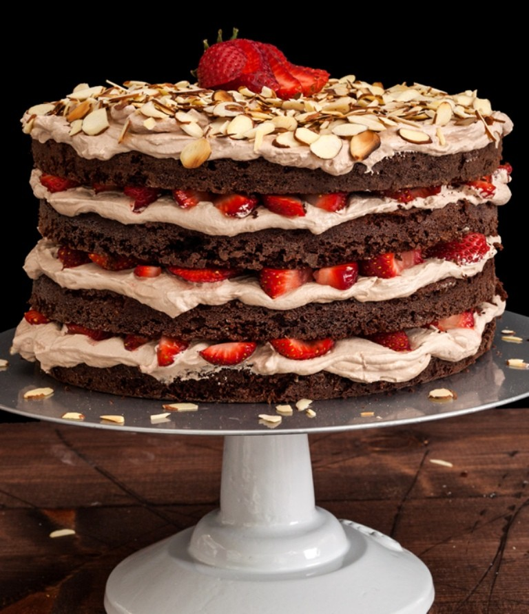 mouth-watering-valentines-day-cake-4 32 Most Romantic Valentine's Day Meals & Recipe Ideas