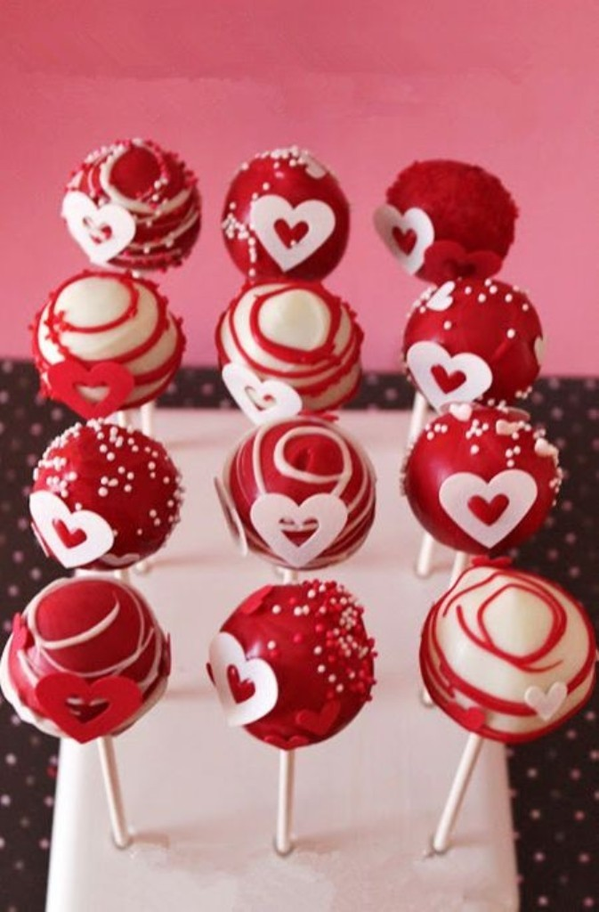 red-valentines-day-cake-pops 32 Most Romantic Valentine's Day Meals & Recipe Ideas