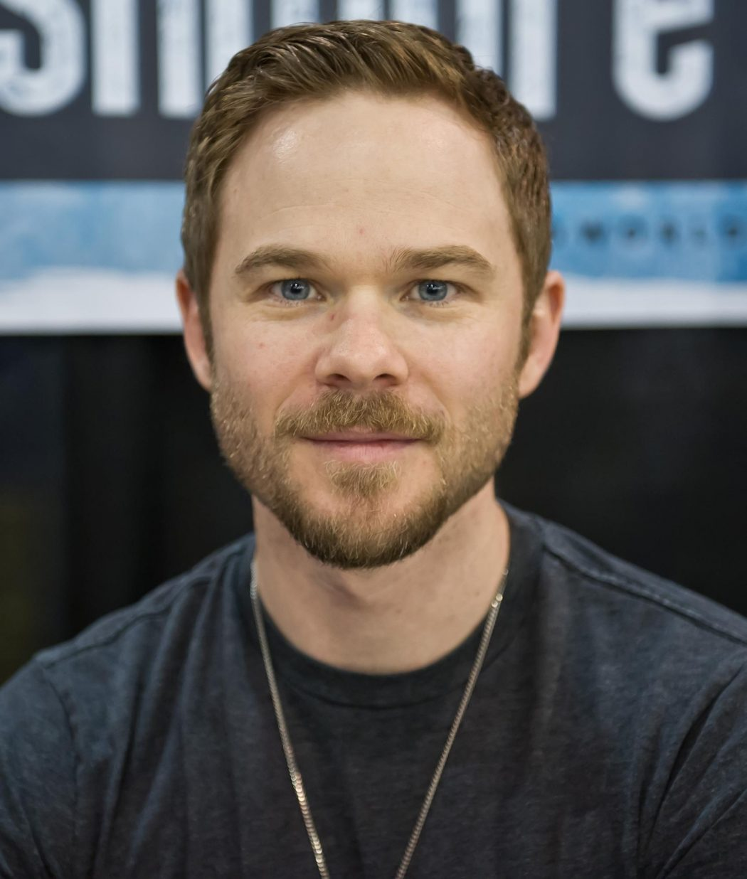 shawn-ashmore-8 5 Celebrities Who Have an Identical Twin