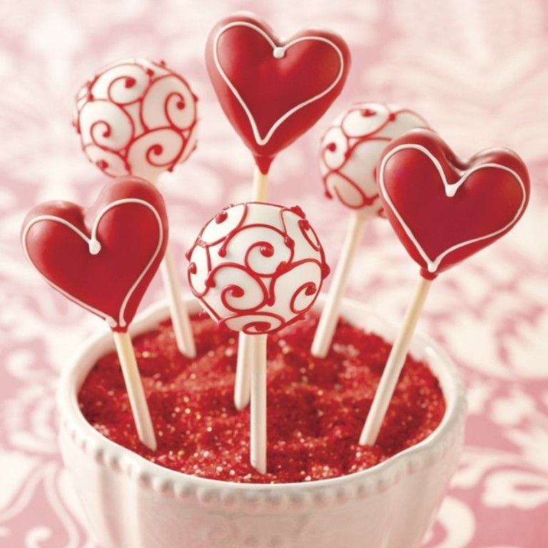 valentines-day-cake-pops-1 65 Most Romantic Valentine's Day Chocolate Treat Ideas