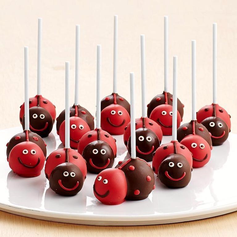 valentines-day-cake-pops-4 65 Most Romantic Valentine's Day Chocolate Treat Ideas