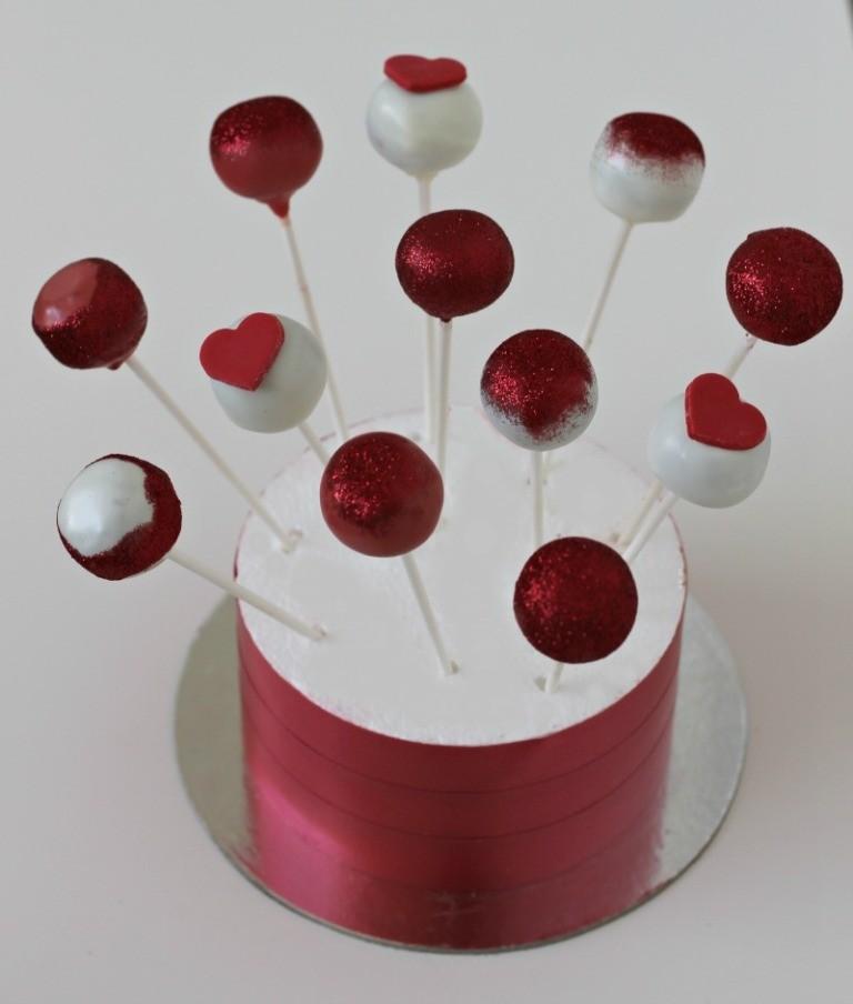 valentines-day-cake-pops-5 65 Most Romantic Valentine's Day Chocolate Treat Ideas