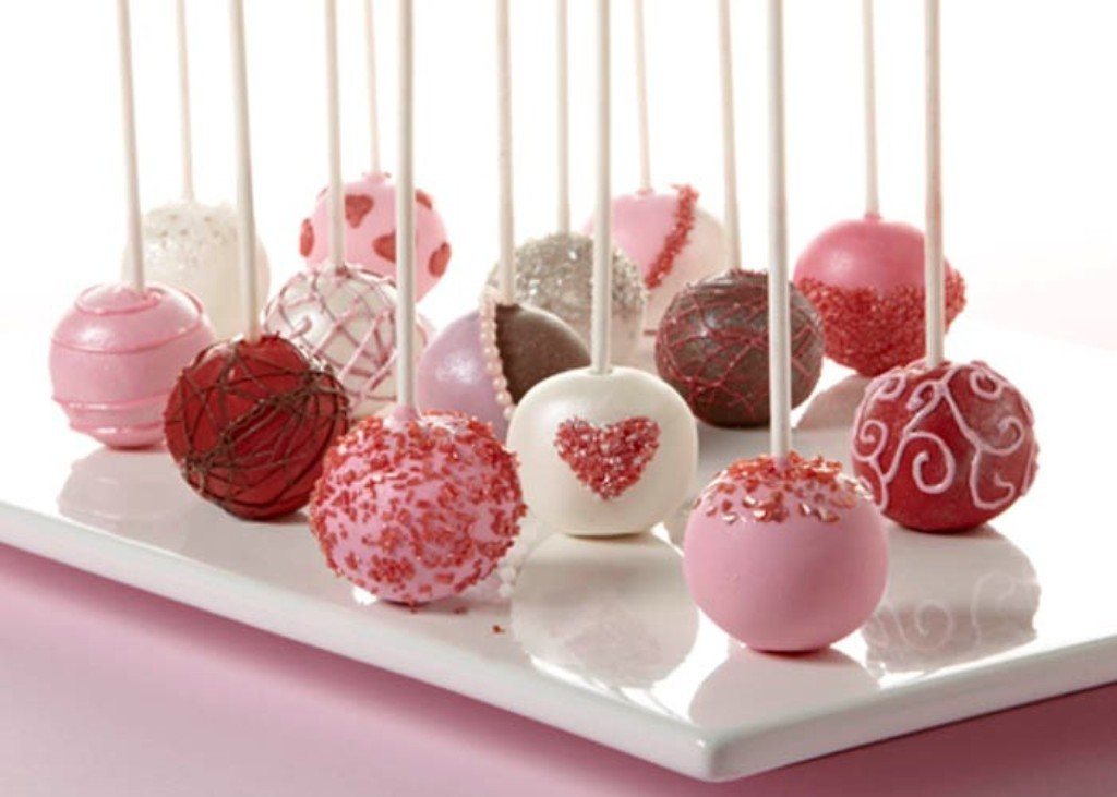 valentines-day-cake-pops-8 65 Most Romantic Valentine's Day Chocolate Treat Ideas
