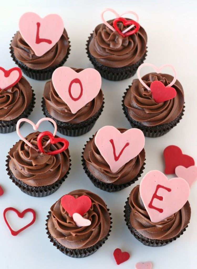 valentines-day-cakes 65 Most Romantic Valentine's Day Chocolate Treat Ideas
