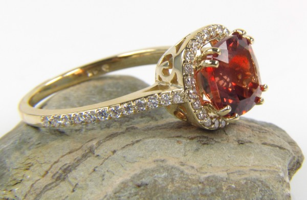 139471.456315 37+ Amazing Engagement Rings With Colored Gemstones