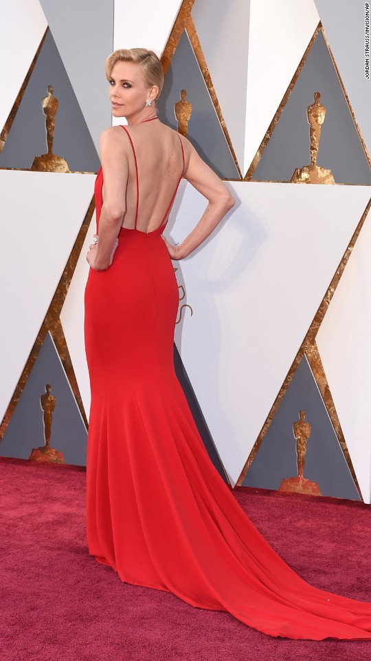 160228202424-oscars-red-carpet-2016-charlize-theron-super-916 Top Best 5 Red Carpet Looks in The 88th Academy Award