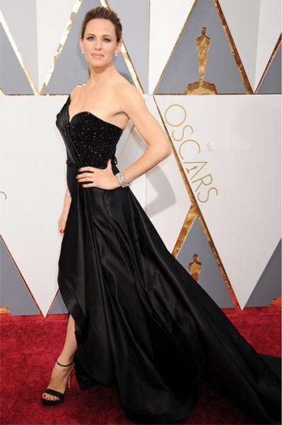 2016-02-29_13-40-04_Jennifer-Garner Top Best 5 Red Carpet Looks in The 88th Academy Award
