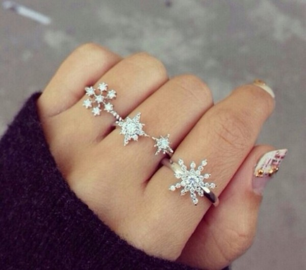 4d27a5-l-610x610-jewels-rings-snow-snowflakes-beautiful-christmas-classy-class1 15 Trendy Designs Of Rings For Women And Teenage Girls