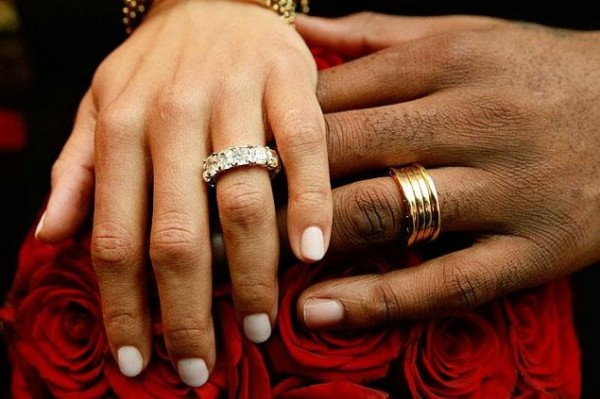 Amare-Stoudemire-Alexis-Welch-wedding-rings Top 22+ Unique And Elegant Designs Of Wedding Rings