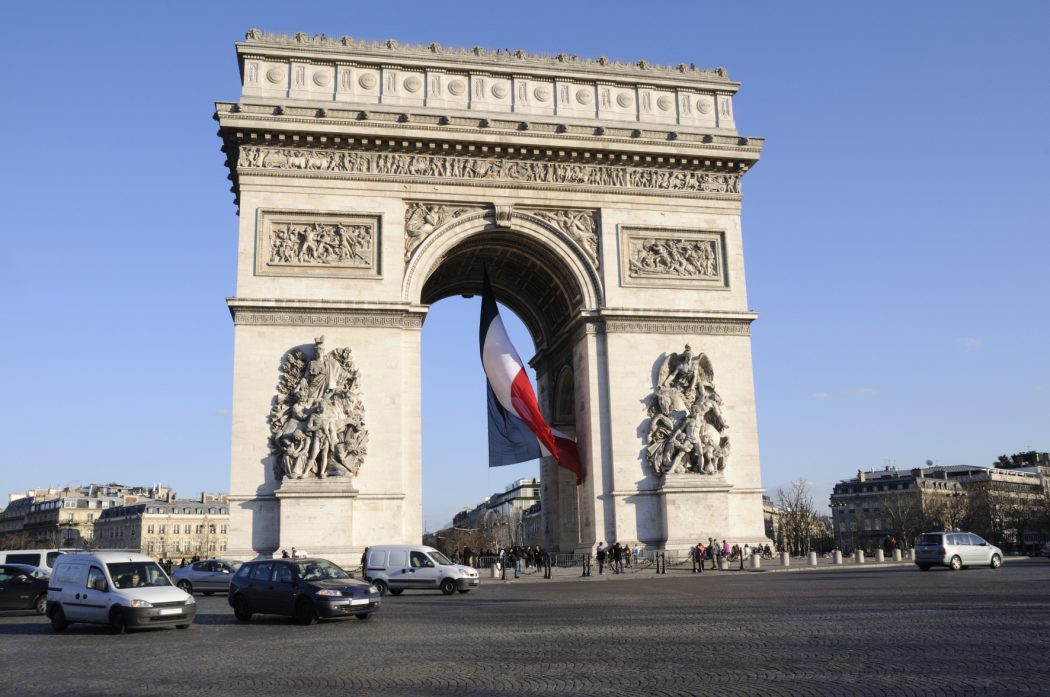 Arc_de_triomphe__4b8fe615208a5 5 Places You Must Visit If You Will Travel To Paris