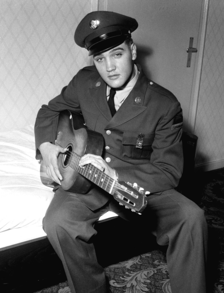"Elvis-Presley-8 13 Shocking Secrets You Don't Know about ""Elvis Presley"""