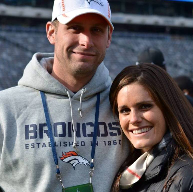 "Gase-with-his-family-2 10 Things You Don't Know about Head Coach ""Adam Gase"""