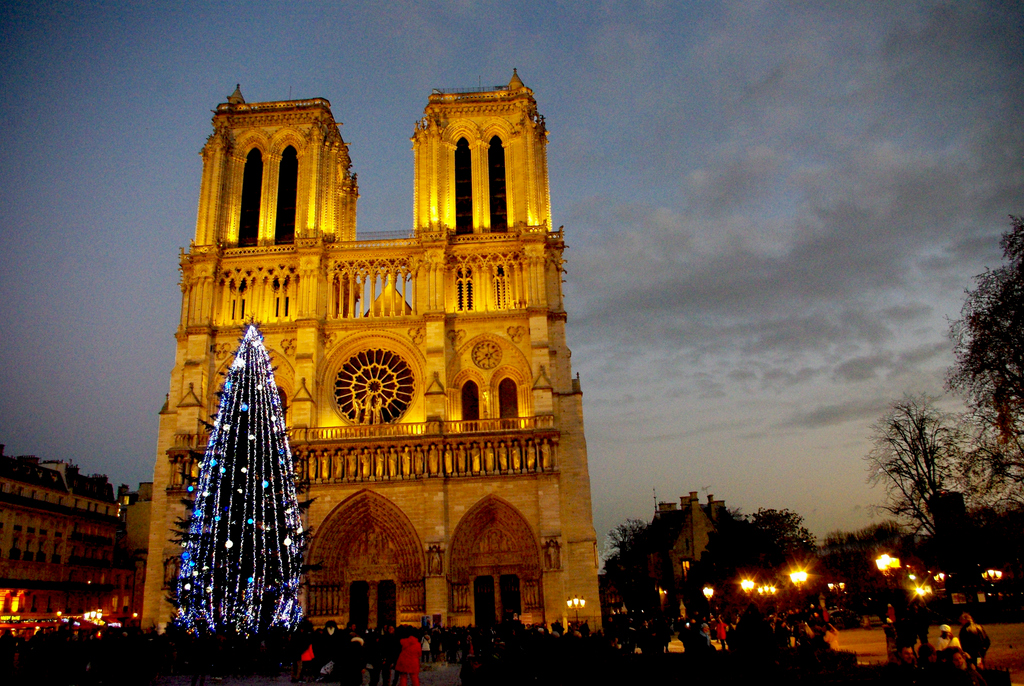 Notre-Dame-Christmas-01-©-French-Moments 5 Places You Must Visit If You Will Travel To Paris