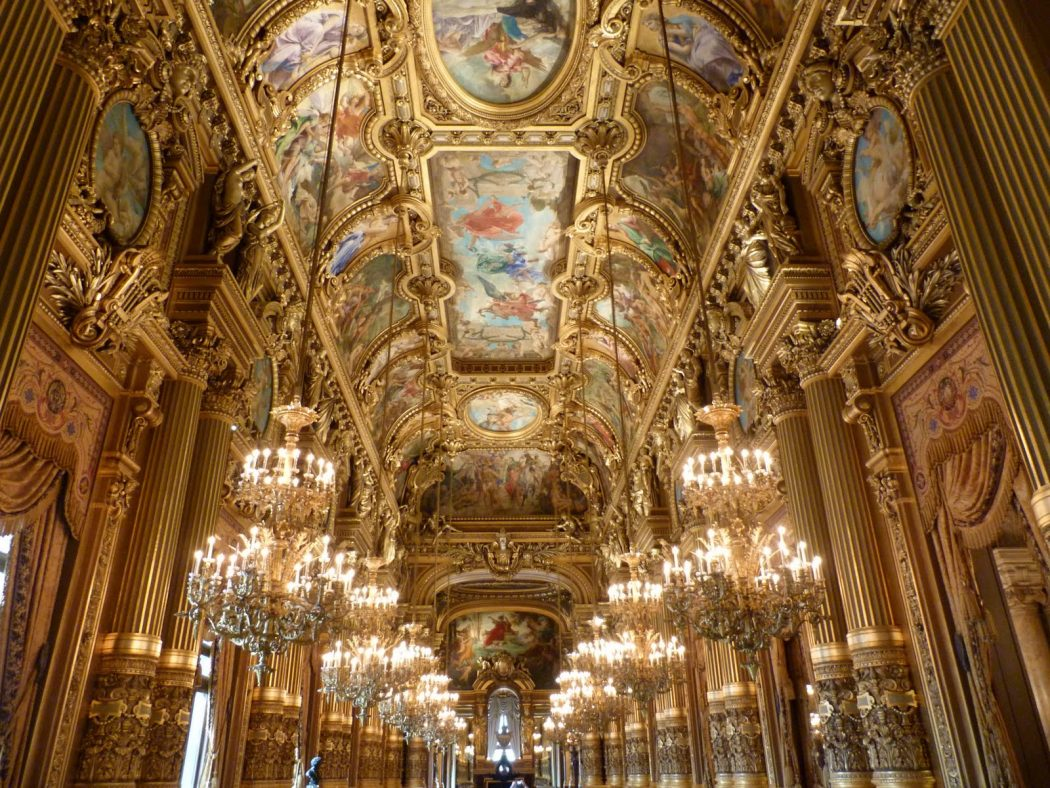 Palais_Garnier_-_Le_grand_foyer 5 Places You Must Visit If You Will Travel To Paris