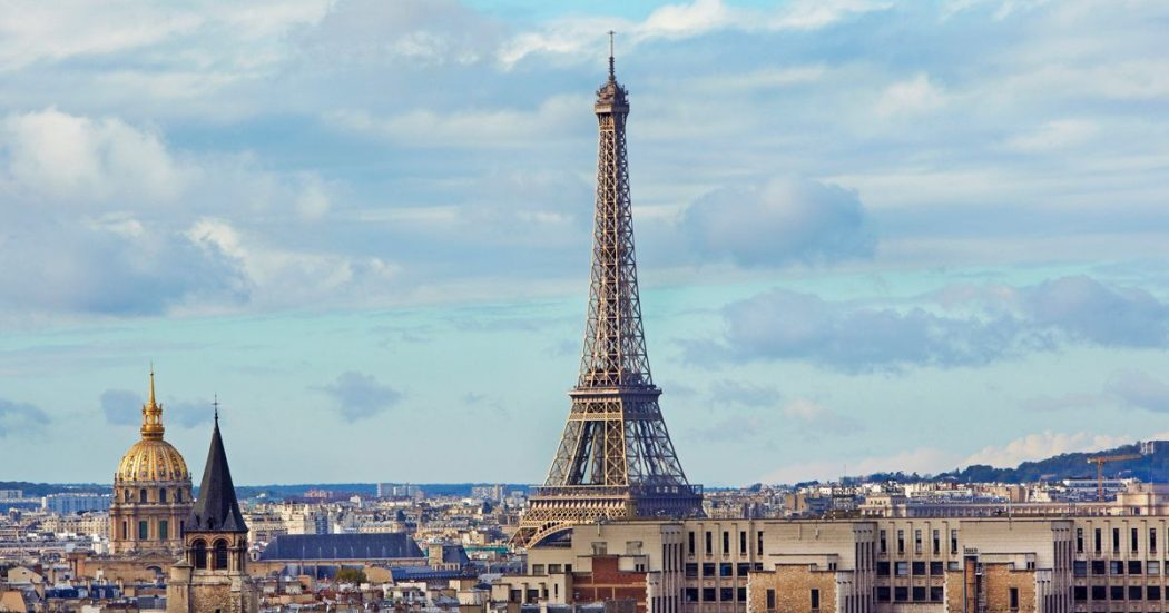 Paris-with-Eiffel-Tower 5 Places You Must Visit If You Will Travel To Paris