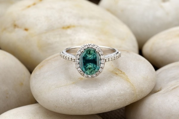 Unique-Sapphire-revise 37+ Amazing Engagement Rings With Colored Gemstones
