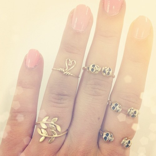 adorable-rings-for-women 15 Trendy Designs Of Rings For Women And Teenage Girls