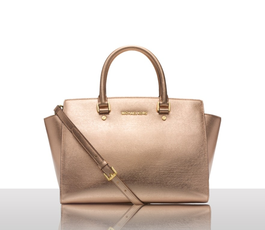 catchy-handbags-1 27 Most Stunning Mother's Day Gift Ideas