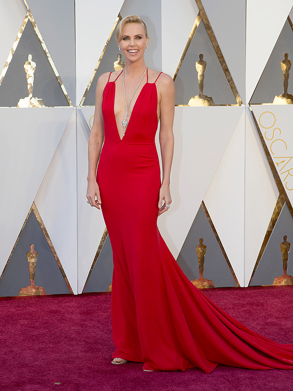 editors-picks-600x800 Top Best 5 Red Carpet Looks in The 88th Academy Award