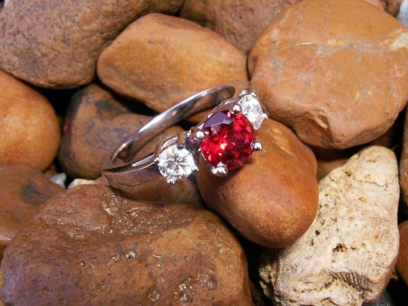 engagement_ring2 37+ Amazing Engagement Rings With Colored Gemstones
